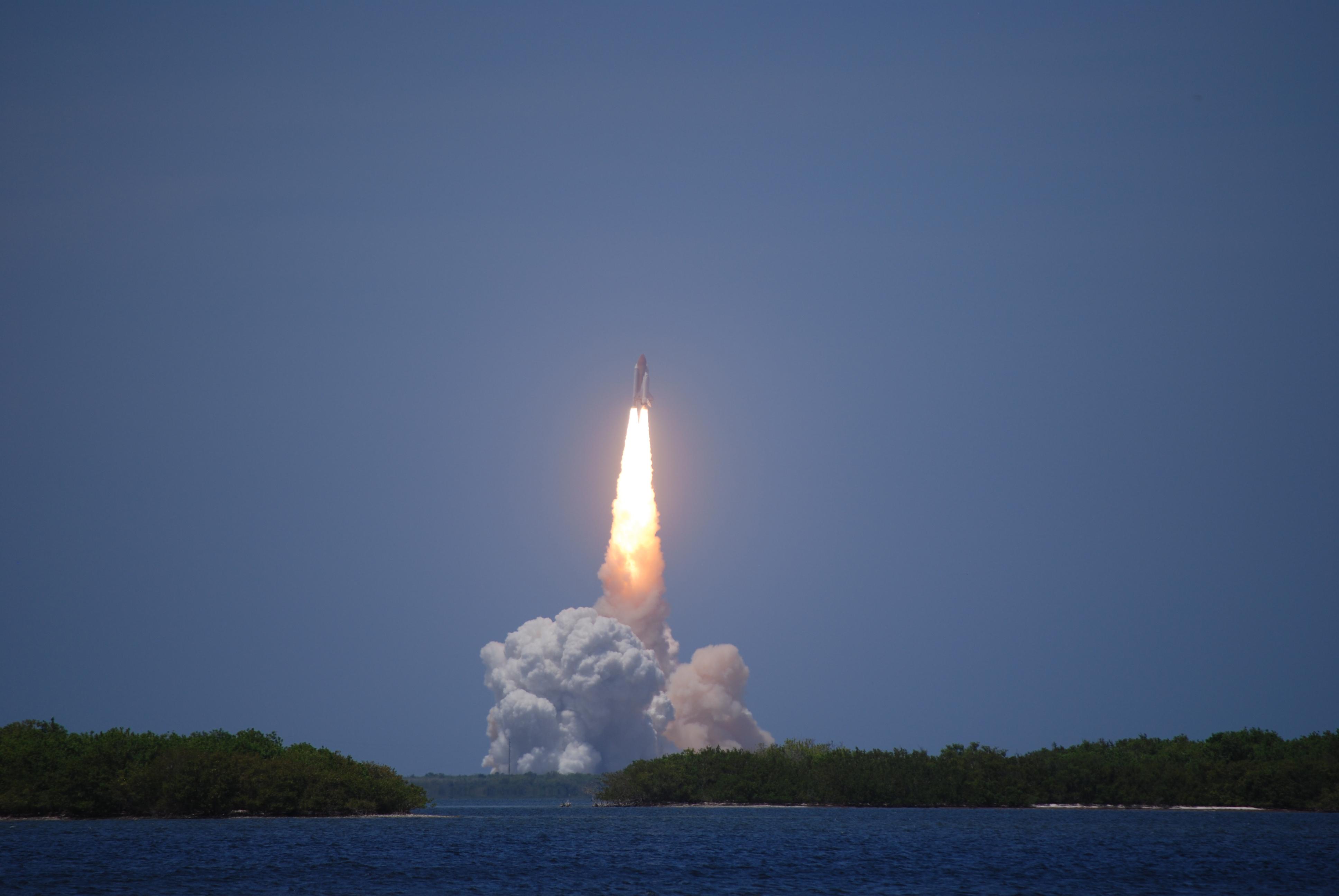 first rocket ship - HD3872×2592