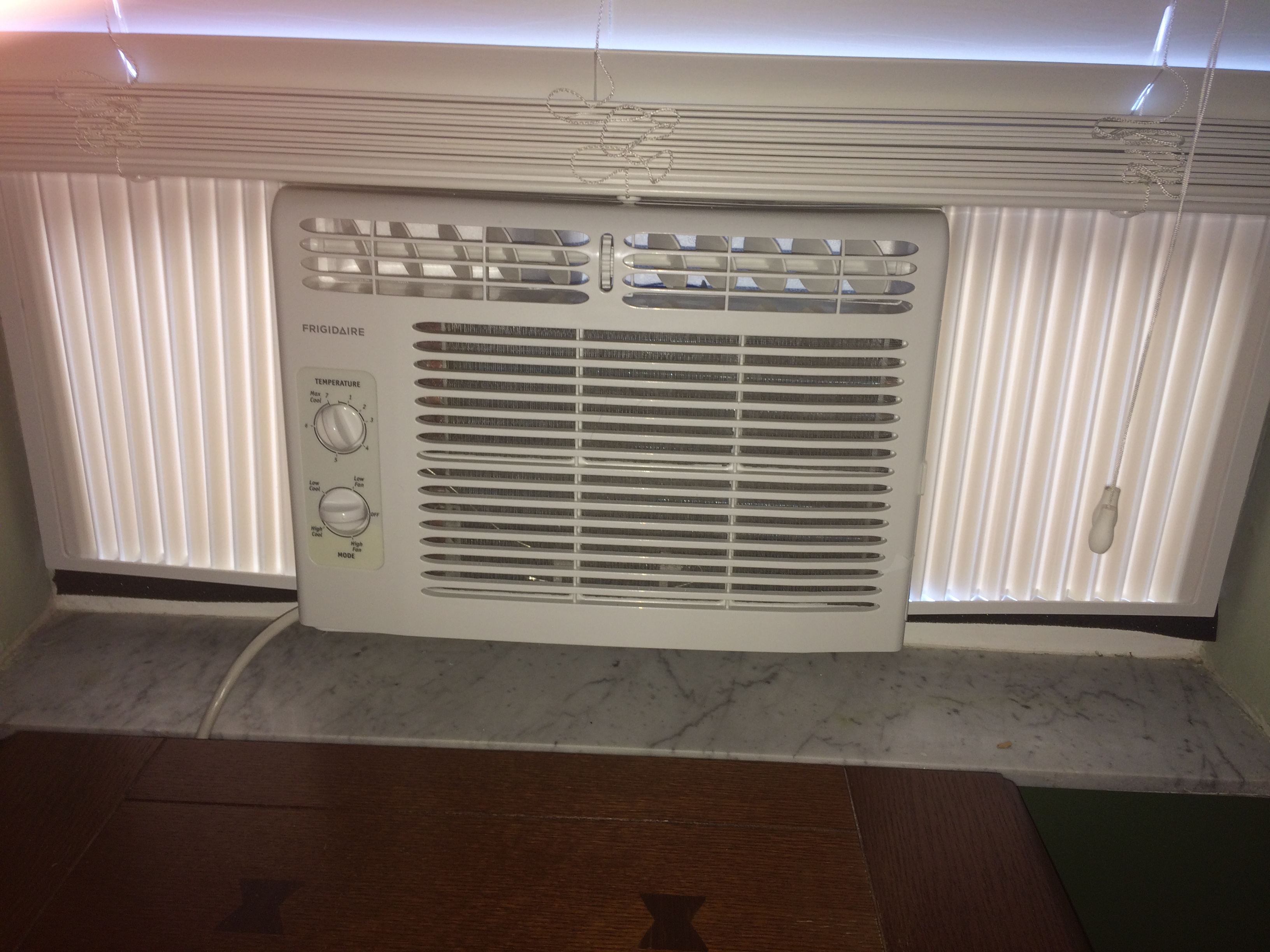 Frigidaire FFRA0511R1 5 is the best air conditioner window unit